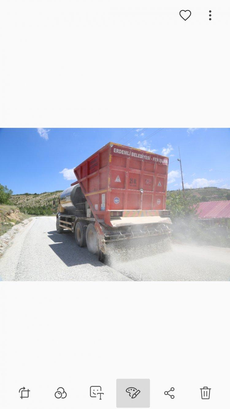 Erdemli Belediyesi'nden İlçe Yollarına Kapsamlı Bakım