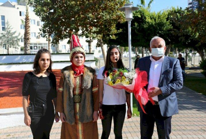 Sokakta Tiyatro Sergilediler,  Kadına Şiddete Hayır Dediler