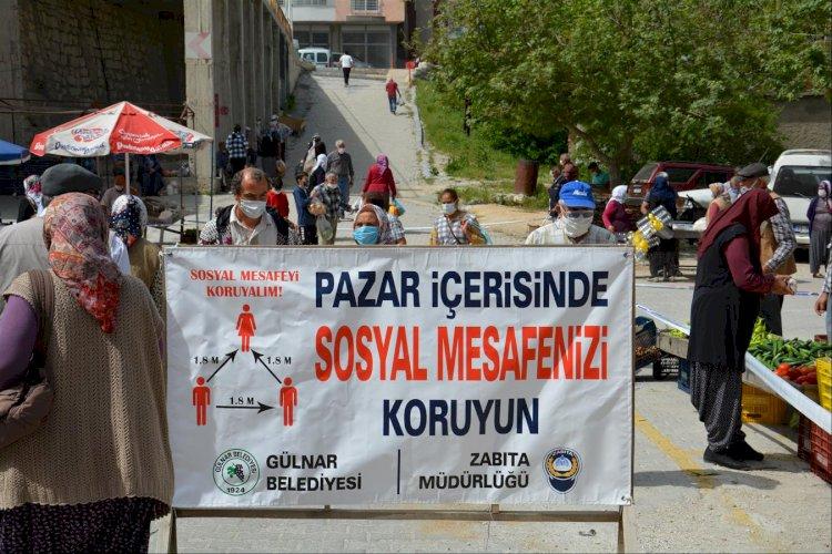 Gülnar Kaymakamı Yunus Emre BAYRAKLI ve Belediye Başkanı Alpaslan ÜNÜVAR Halk Pazarını ve Esnafları Ziyaret Ettiler